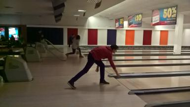 Bell Cambridge language in action programme. Bowling.